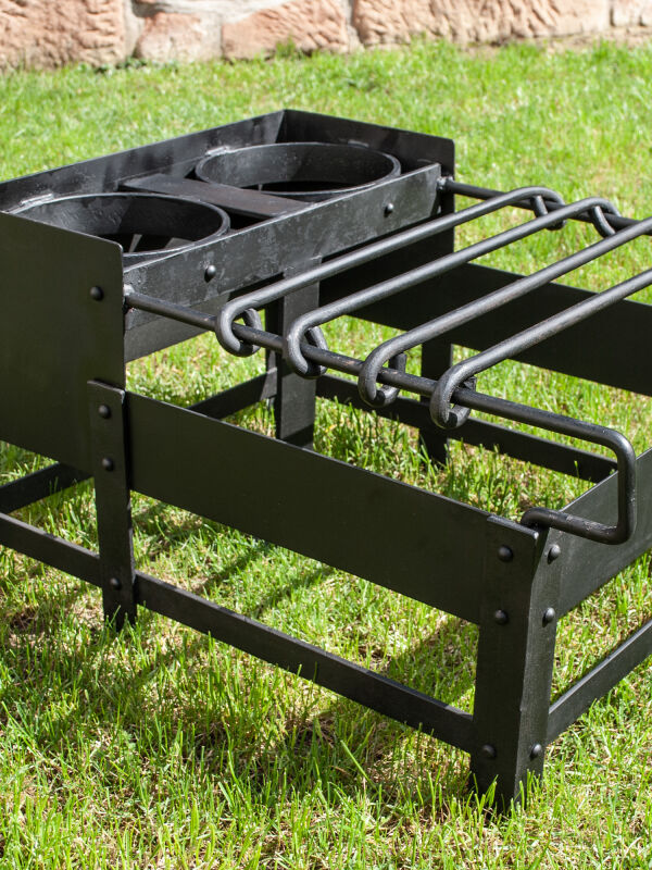 Craticula Roman steel cooking rack for the reenactment kitchen