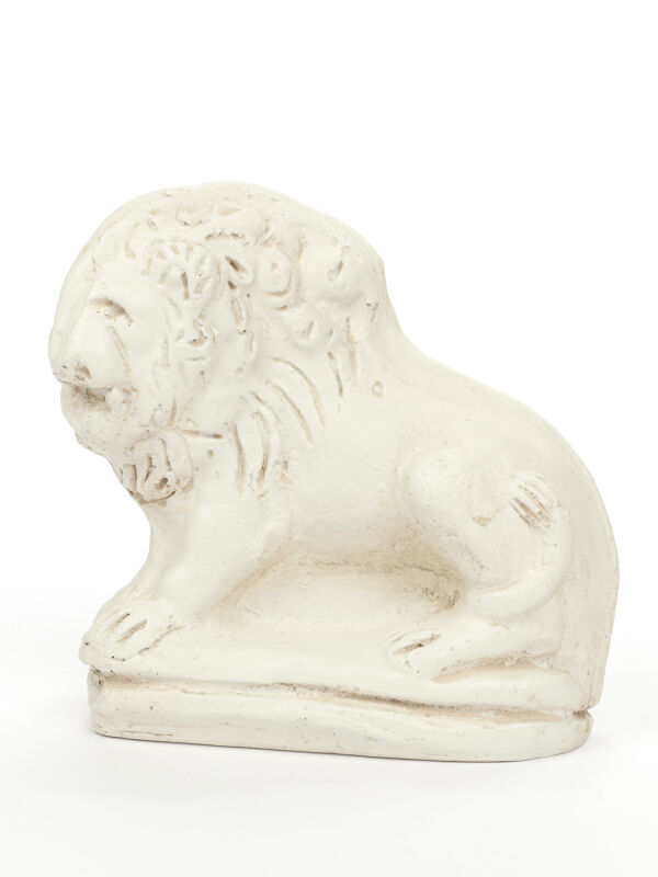 Statue lion, Roman sculpture replica