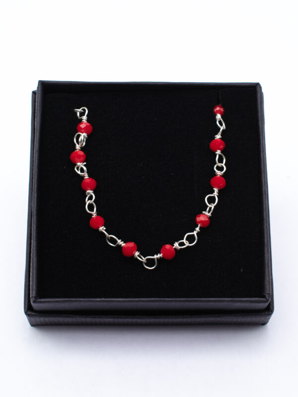 Roman link chain with red stones and pearls
