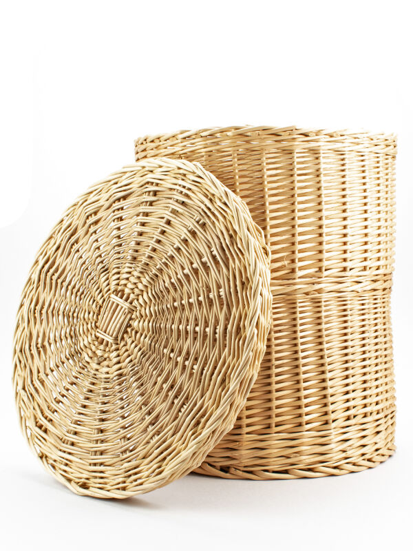 Cista, book roll basket with lid