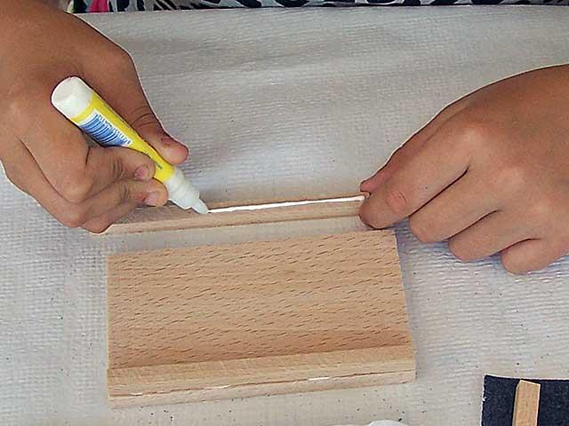 Herstellung einer Wachstafel im Unterricht in der Schule