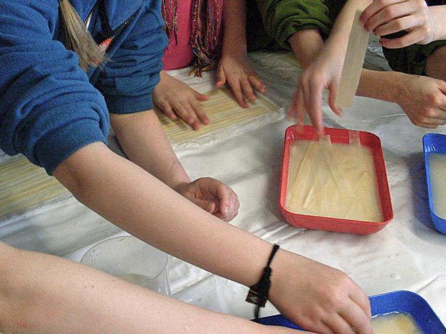 Papyrus-Schulunterricht-Legen